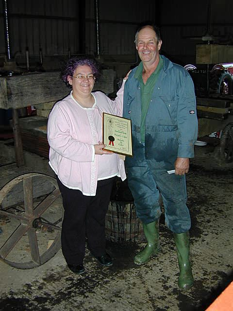 Camra Cider & Perry Director Gillian Williams presenting Ralph with his National Gold Award 2005